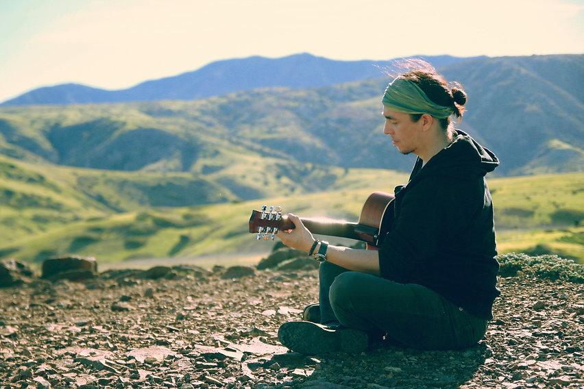 Dani Vargas guitar3.jpg