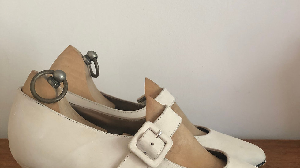 1920's style (but 1980's/1990's) Cream Suede Mary Jane's -Size 5.5 UK