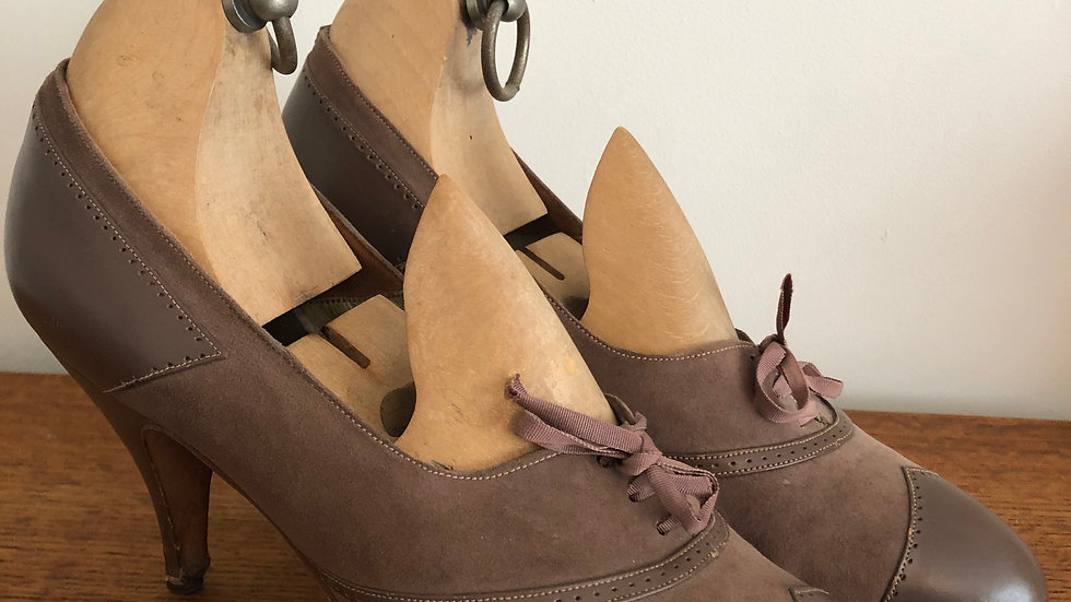 1950's Pale Brown Suede & Leather Lace Up Heels - Size 5 UK