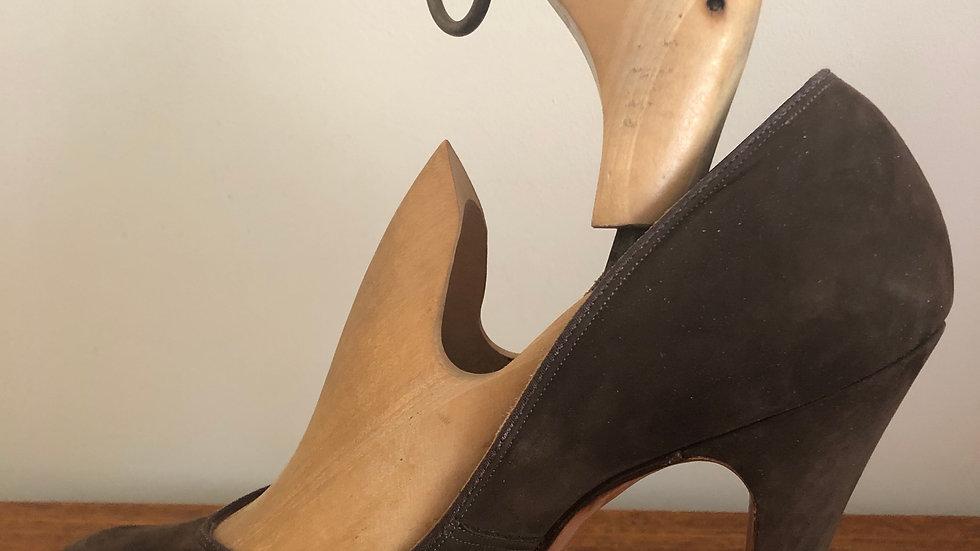 1940's Brown Suede Heels - Size 5 UK