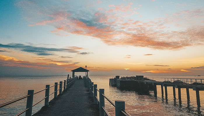 Tiomanil ei näinud me kordagi täielikku päikeseloojangut, sest veepiiril olid alat pilved
