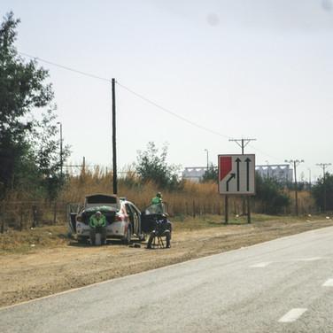 Politsei tee ääres kiirust mõõtmas
