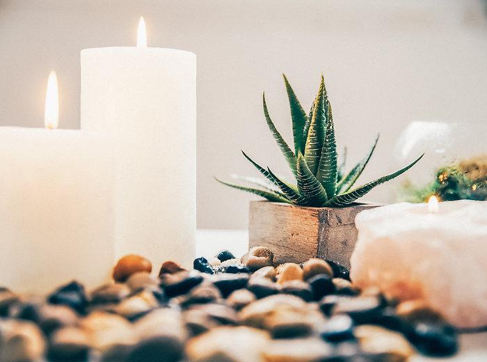 candles-and-bathroom-decor_4460x4460-min