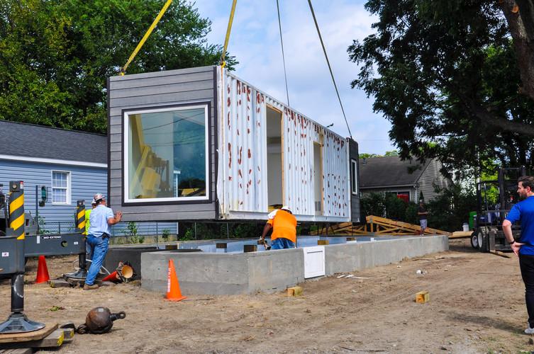 2415 Everett Installation1.jpg