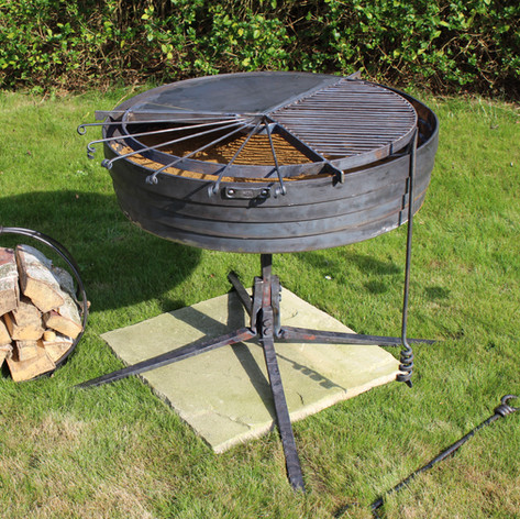 Fire Pit With Cooking Adaptation
