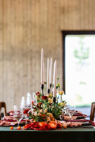 Black Blush Green Reception Table