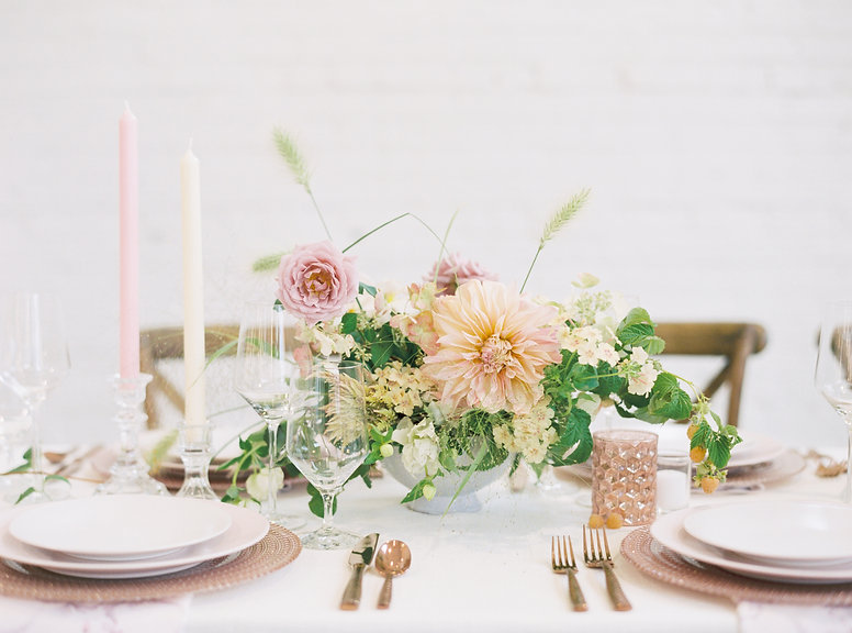 gold blush wedding table.jpg