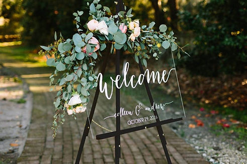 Acrylic welcome wedding sign decor