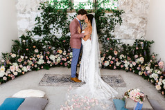 Modern Wedding with Ceremony Rugth