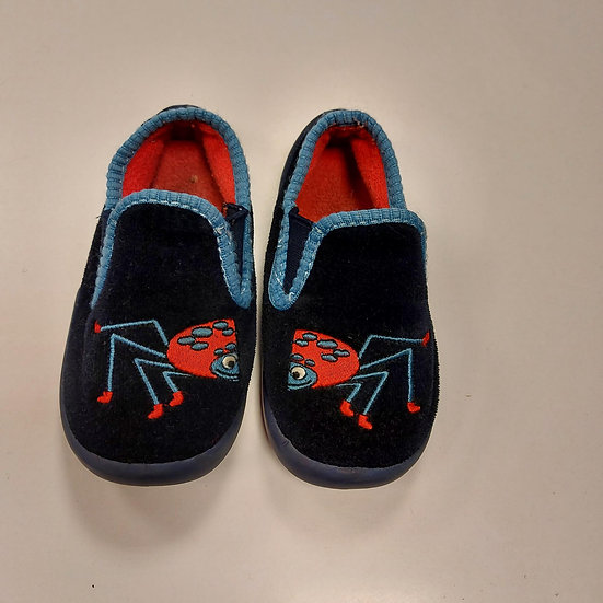 Slippers Size 6