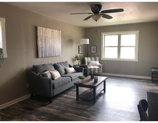 Livingroom 2_edited.jpg