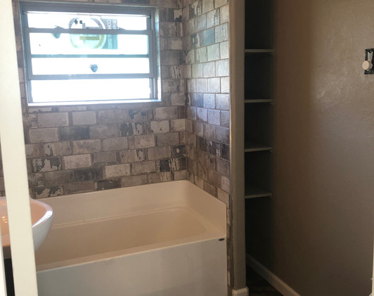 237 3rd Bathroom W Side.jpg