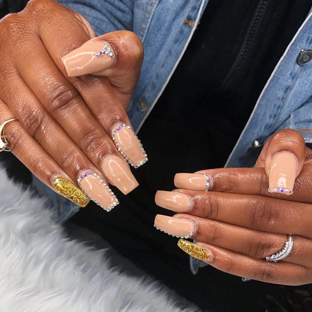 Nails (Medium Full Set)