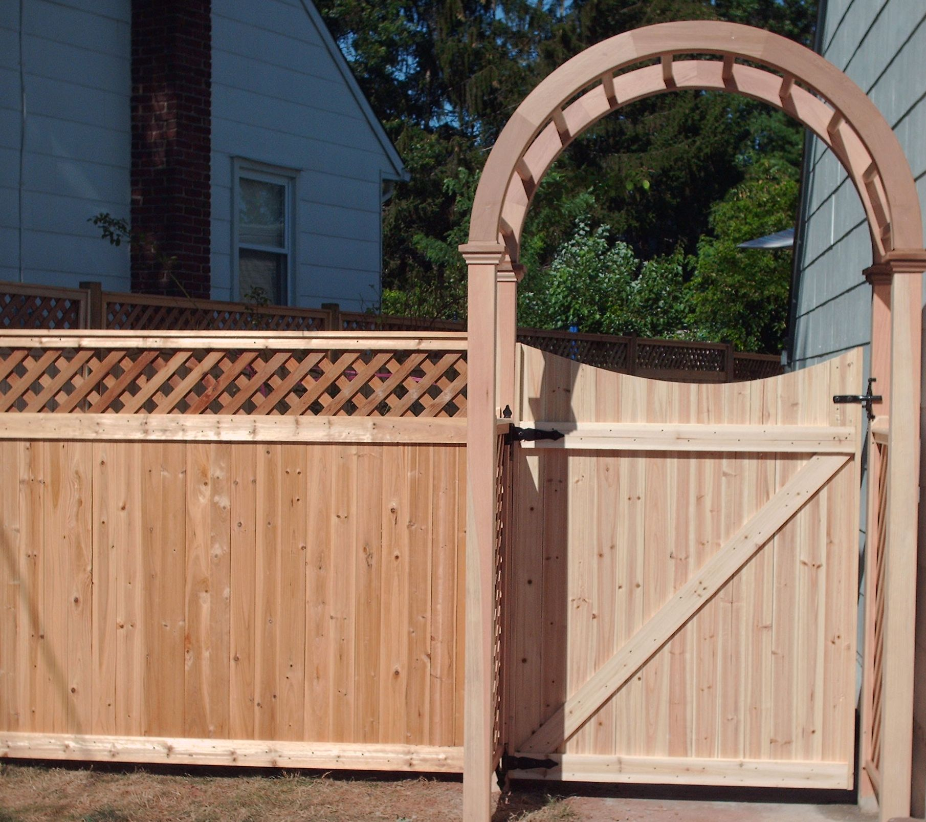 Lattice Top Tongue and Groove Fence
