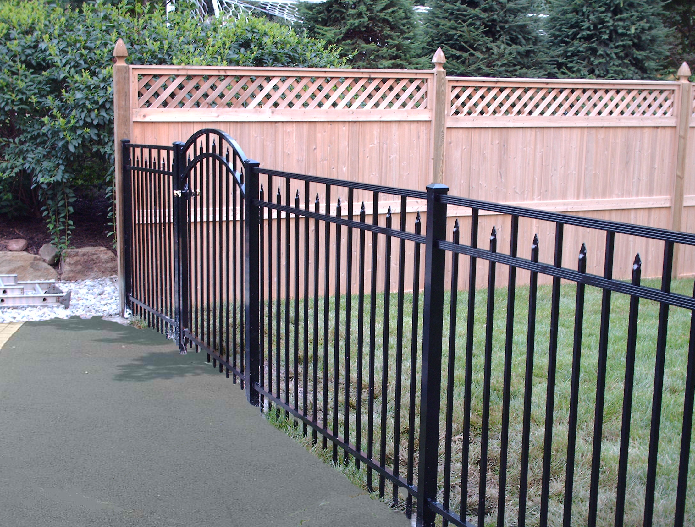 Diamond Fence with Gate