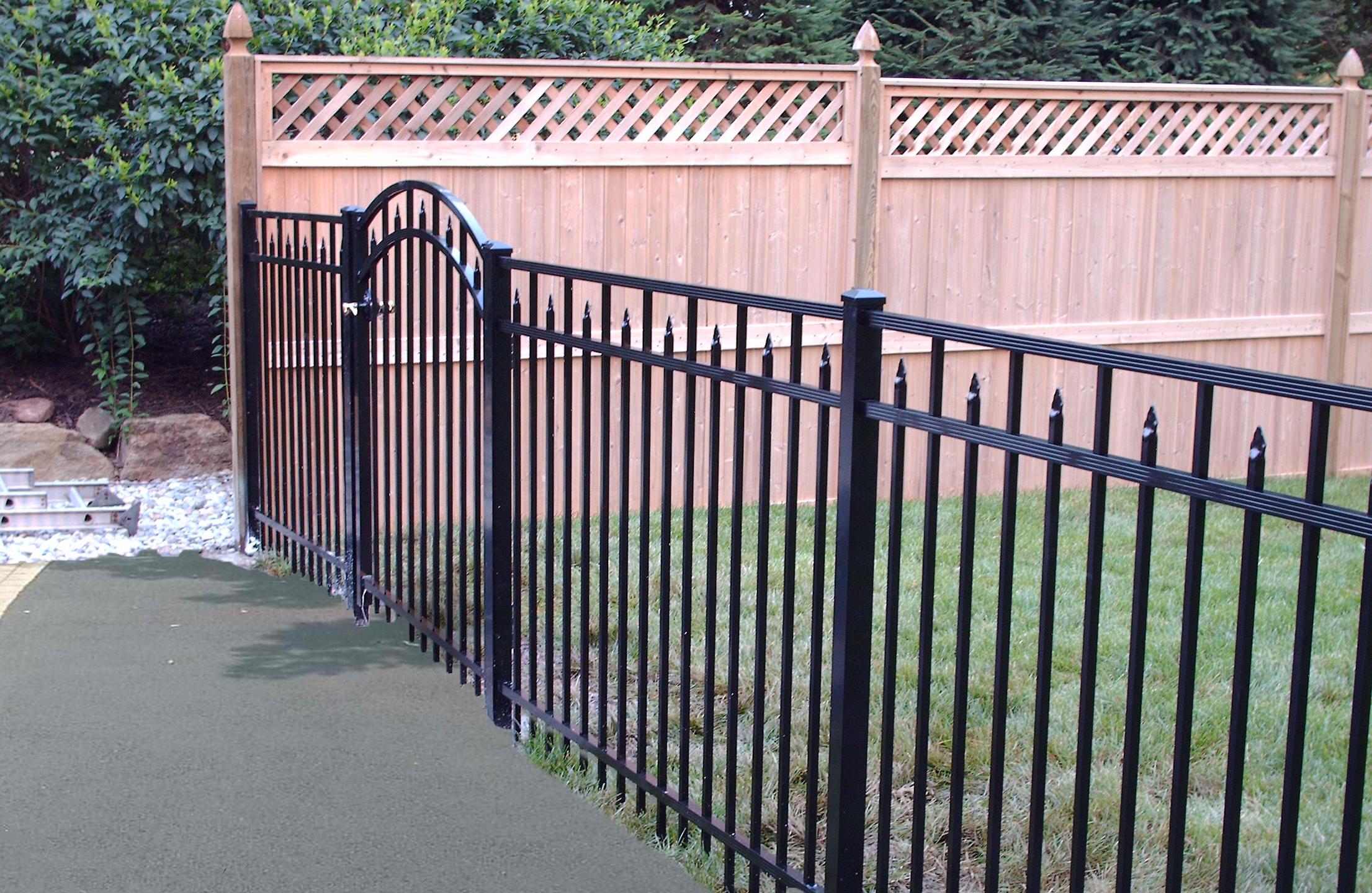Diamond Fence with Gate 2