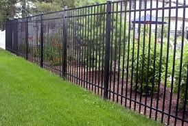 5 Benefits of an Aluminum Fence on a Commercial Property