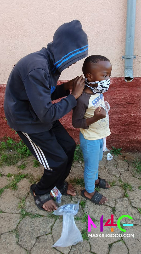 MASKS4GOOD. Easter Dropoff13..jpg