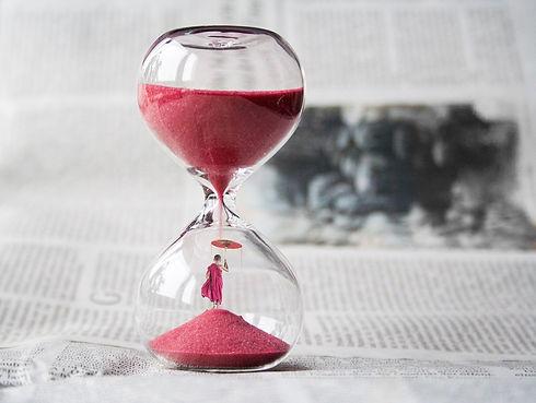 hourglass-1875812_1920.jpg