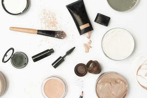 Ich berate dich zu deinen gekauften Make-Up Produkten. Es muss nicht immer ein Make-Up für 50 Franken sein.