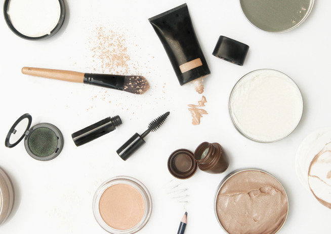 scatered Make-up
