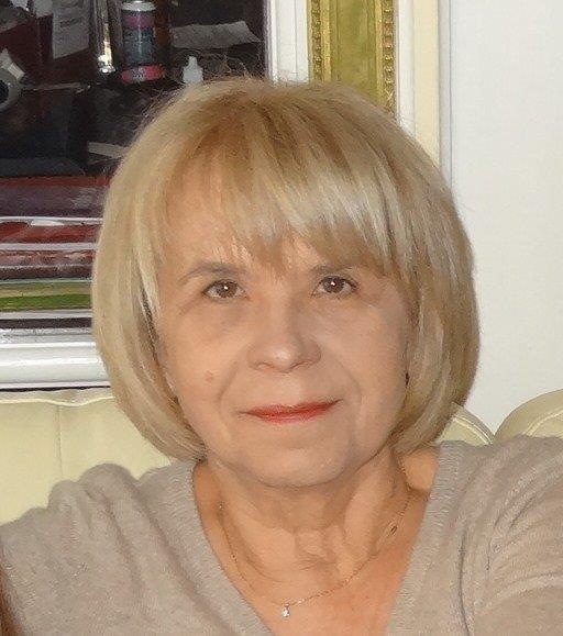 Danielle Holvoote