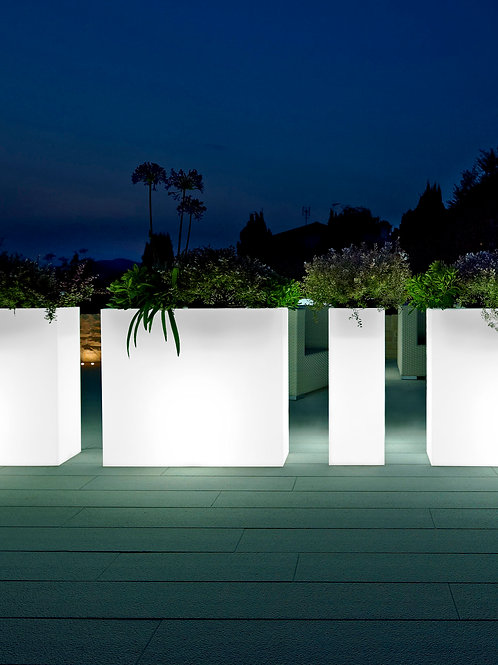 Kube High Slim Planter Light