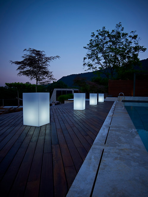 Kube High Planter Light