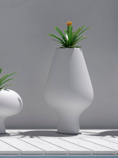 Harbo Gentle Giant Planters