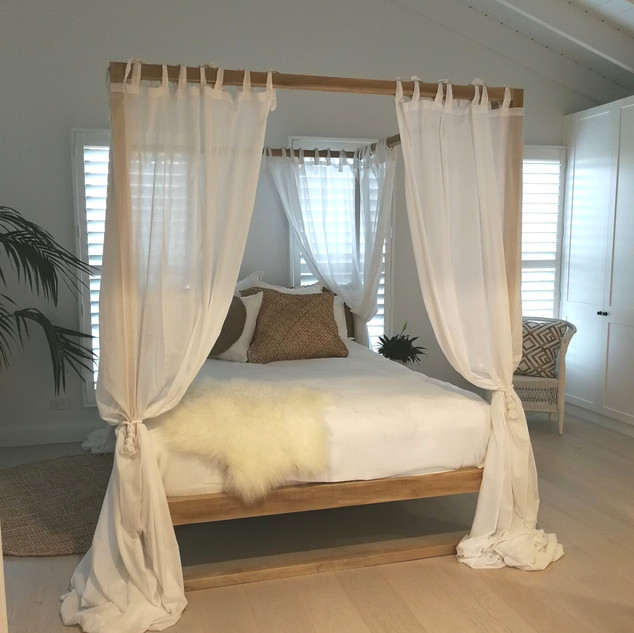 Four Poster Bed - 12087
