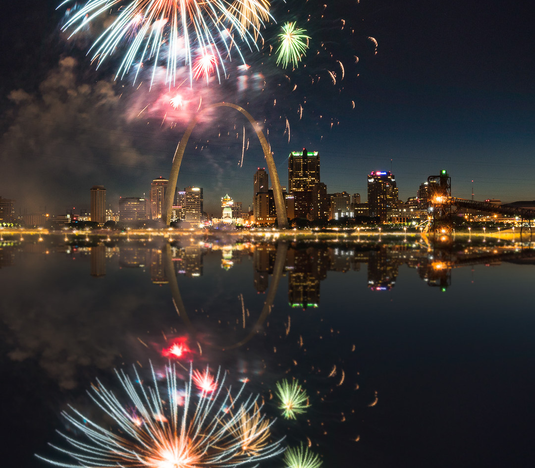 Arch Fireworks from East STL-113-Edit We