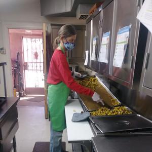 Monday Lead Cook (Alice)