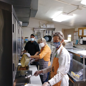 Monday Kitchen Crew (Alice, Judy, Dan)