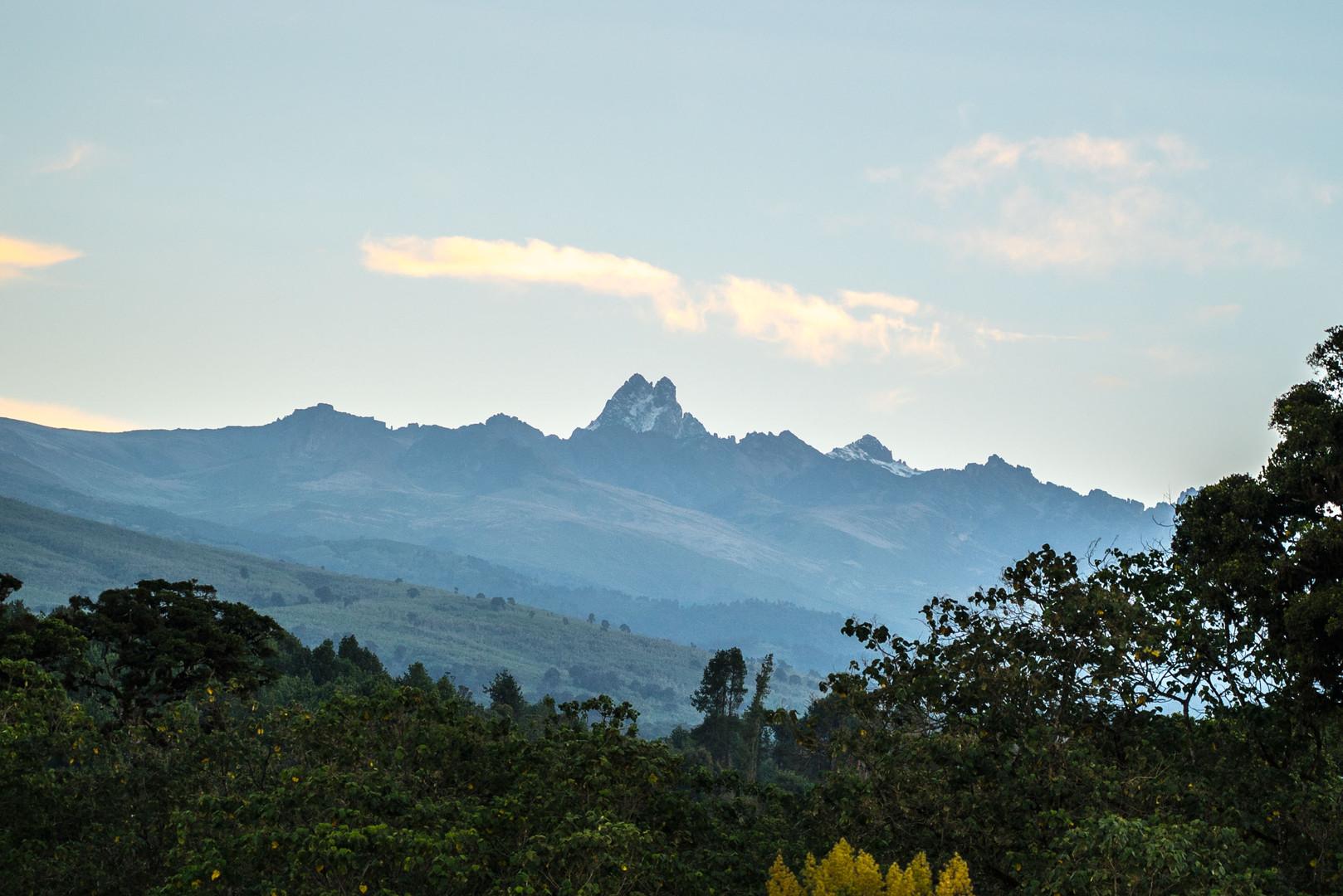 Mount-Kenya-by-Yuri-YabiDSC00518-1.jpg