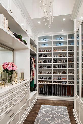 15-Elegant-Luxury-Walk-In-Closet-Ideas-T