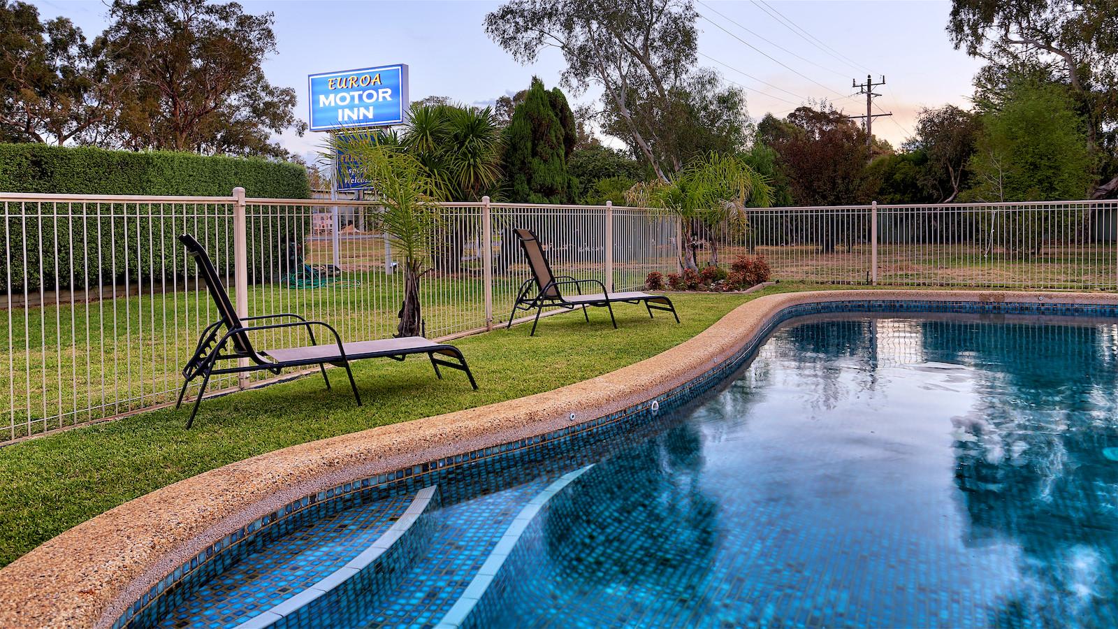Euroa Motor Inn Swimming Pool