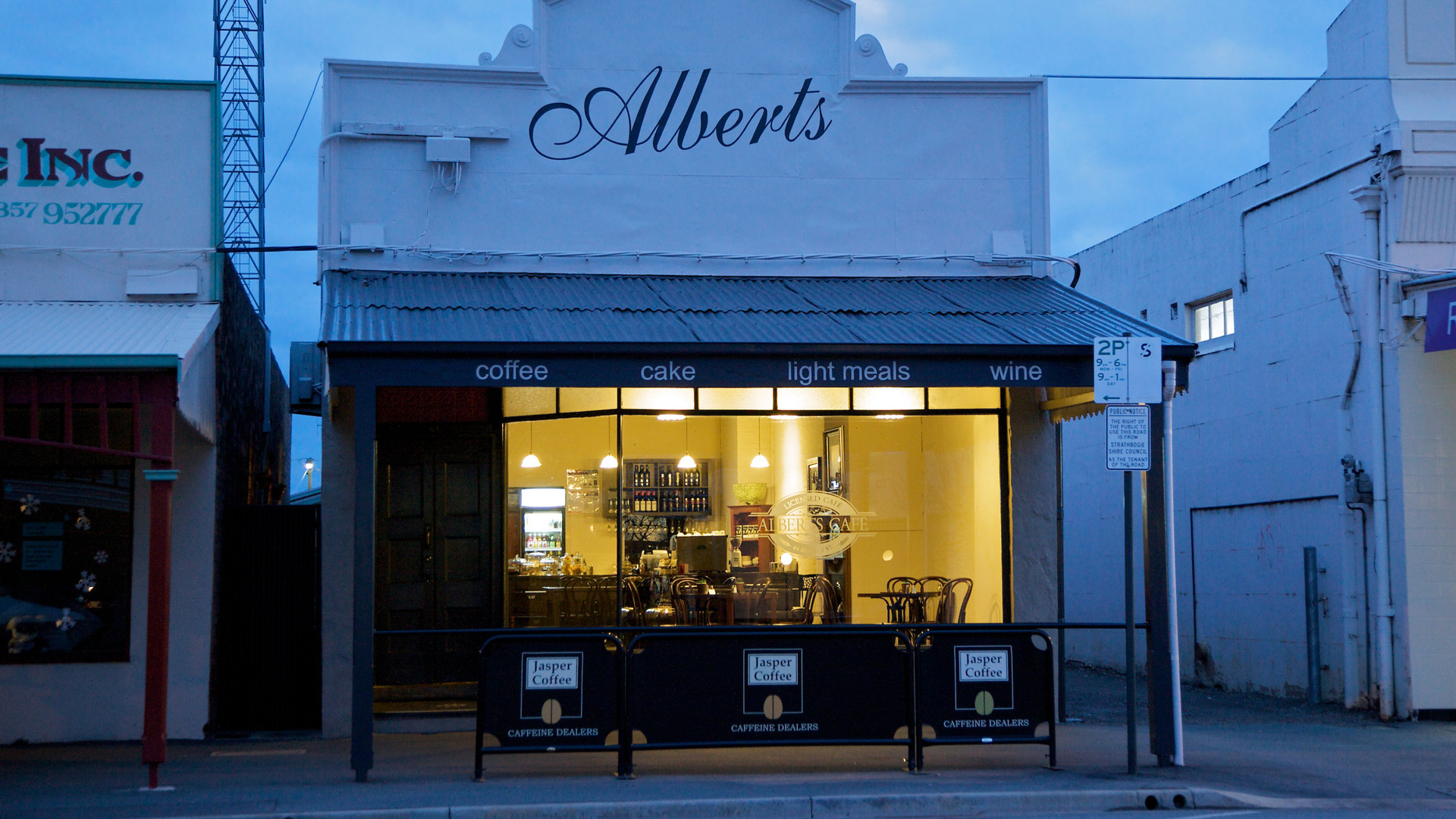 Alberts Cafe