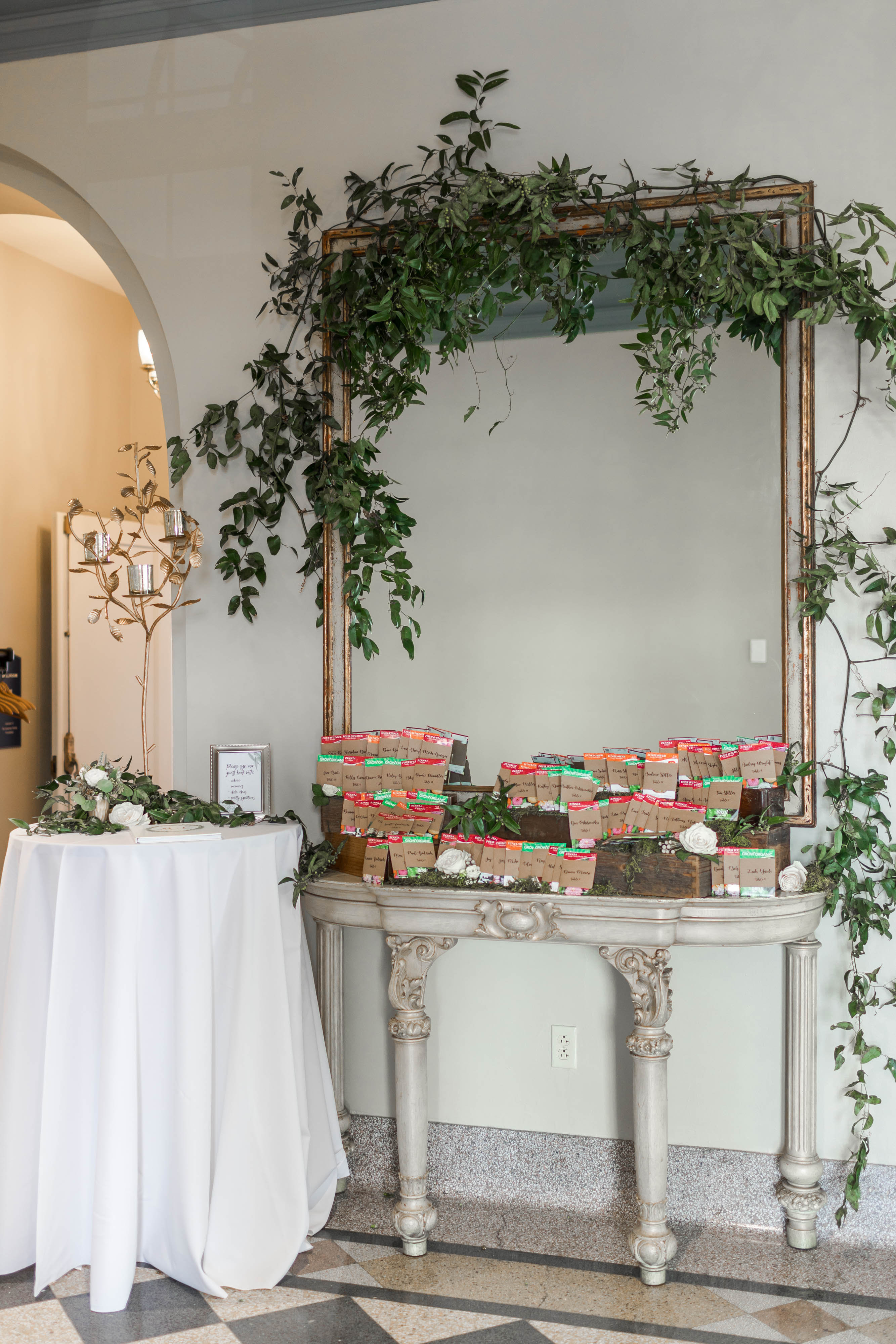 Molly and Christian-Reception Decor-0034