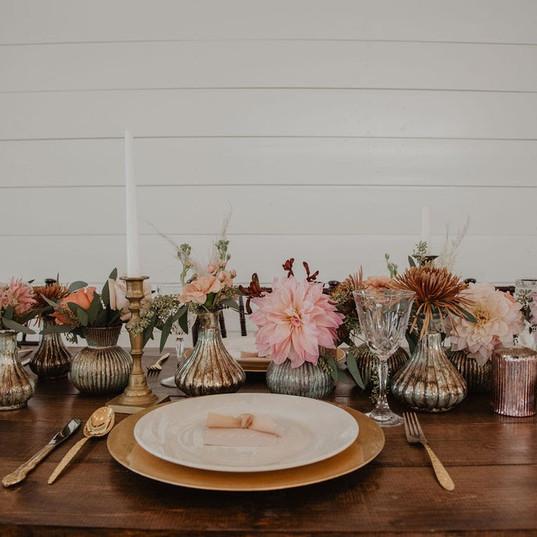 Photography: @emjcrockett  Florals: @stacykfloral  Vintage Decor Rentals: @little.goodies.boutique