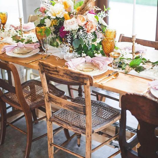 Venue:@wrensroostbarn  Wedding planner: @ivoryweddingco  Photographer: @lerkinandtrevor  Floral: @stacykfloral  Photographer: @emjcrockett  Furniture Rentals: @revivalrental  Vintage Rentals: @little.goodies.boutique