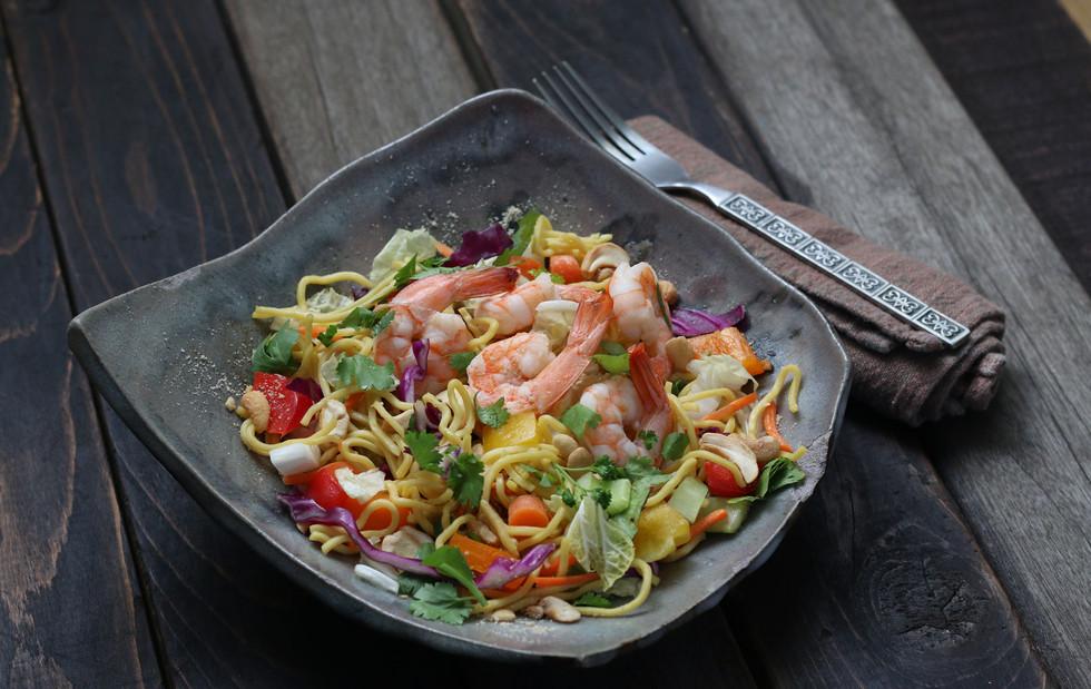 Asian-noodle-salad-w-prawns.jpg