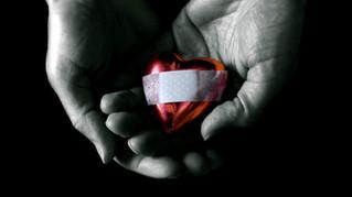 בכיו הדומם של הלב