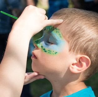 face-painting-2436885_960_720.jpg