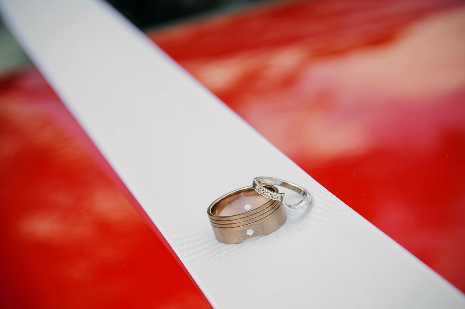 18ct White gold his and hers wedding rings.