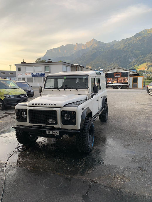 LandRover.Front.nullacht15.jpg