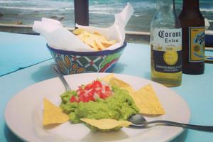 guacamole-beers-DALUISA-islamujeres-mexi