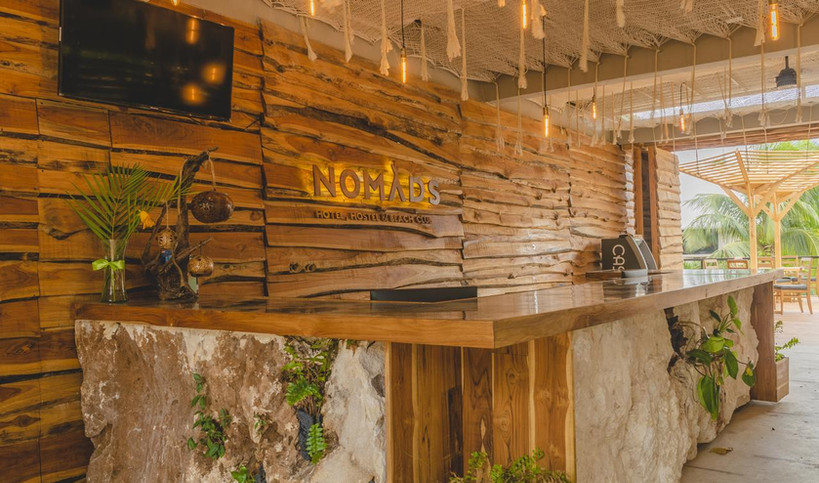 entree-service-nomads-experience-hotel-h