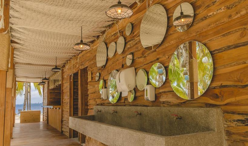 toilet-bano-nomads-experience-hotel-host
