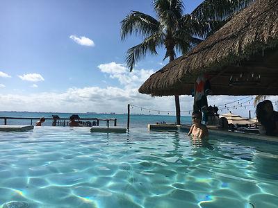 KinHa_beachclub_islamujeres_mexico_swimu