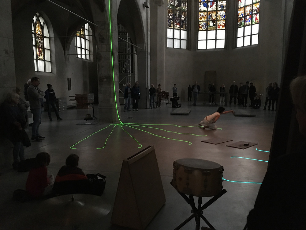 Kunststation St. Peter. Claudia Robles-Angel. REFLEXION - In Sync / Out of Sync. Vernissage mit Performance.